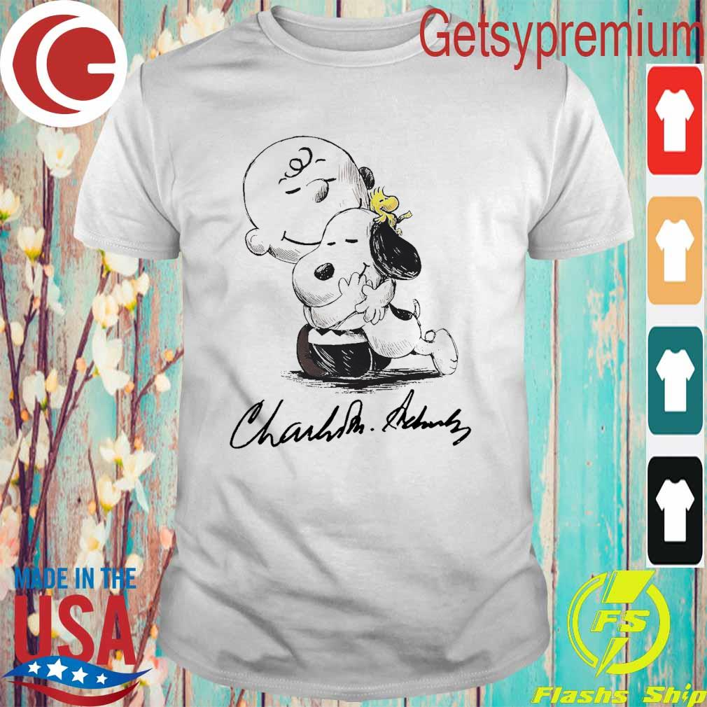 Official Charlie Brown hug Snoopy and Woodstock signature shirt